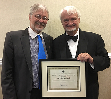 Nick Strimple received the prestigious German-American Friendship Award from Consul General Hans Jörg Neumann during the Salute to Nick Strimple at Adat Ari El in Los Angeles, CA on December 9, 2016.